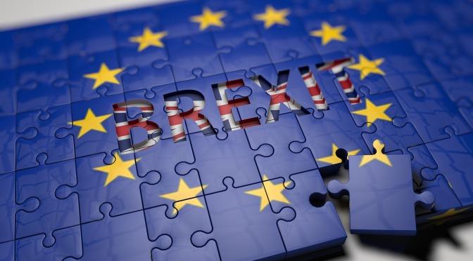 La economía de Reino Unido se desploma 20.4% en abril por la pandemia