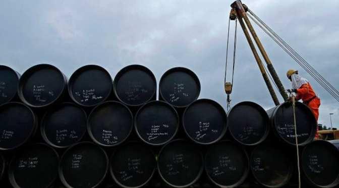 La demanda global de petróleo tardará tres años en recuperarse gracias al derrumbe del transporte aéreo: BofA