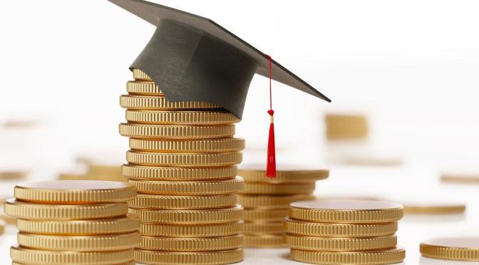Joe Biden propone disminuir la deuda estudiantil como parte del plan de recuperación económica
