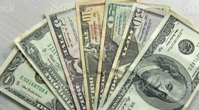 El dólar podría caer un 20% el próximo año, asegura Citigroup